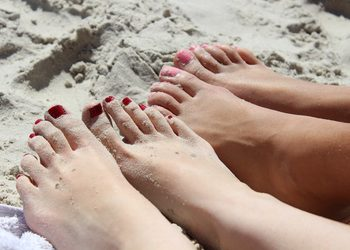 Feet492549 1280