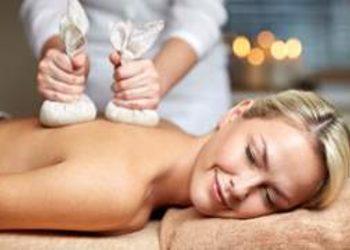 Instytut Zdrowia i Urody YASUMI - masaż stęplami ziołowymi