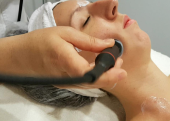 Salon Urody i Modelowania Sylwetki Babski Looksus  - lifting max - twarz i dekolt + szyja gratis (endermomasaż + mezoterapia bezigłowa)