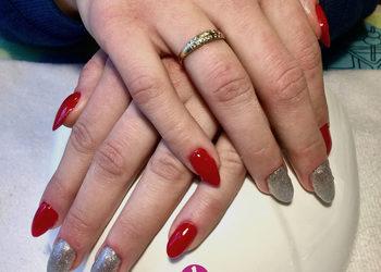 Salon Urody i Modelowania Sylwetki Babski Looksus  - manicure na tipsie