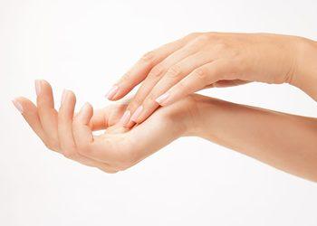 Zalotka Ewelina Małecka-Gad - parafina na dłonie