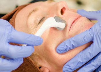 Salon Urody i Modelowania Sylwetki Babski Looksus  - mezoterapia mikroigłowa z pielęgnacją na twarz i szyję