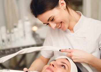Bloom - Kosmetologia Estetyczna - oksyelektroporacja