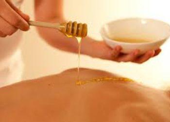 Kosmetikus Gabinet Podologiczno Kosmetyczny  - masaż miodowy pleców