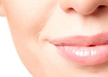 Centrum Kosmetyki DEVORA - powiększanie i ujędrnianie ust kwasem hialuronowym (juvederm, teosyal, stylage)