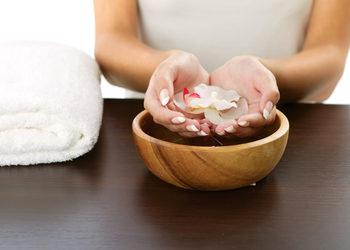 Studio Kosmetyczne URODOMANIA - zabieg spa regenerujący i odmładzający dłonie macadamia orient
