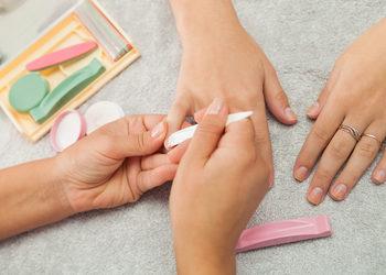 Studio Kosmetyczne URODOMANIA - manicure japoński p-shine