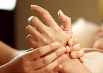 Kosmetikus Gabinet Podologiczno Kosmetyczny  - masaż dłoni