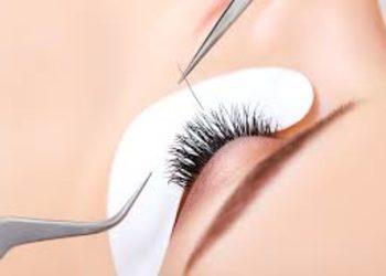 Kosmetikus Gabinet Podologiczno Kosmetyczny  - uzupełnienie rzęs 3:1