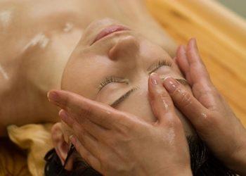 """Salon Zdrowia i Urody """"La Fame"""" - ajurwedyjski masaż głowy z olejowaniem"""