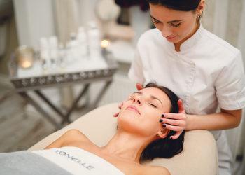 Bloom - Kosmetologia Estetyczna - masaż twarzy, szyi i dekoltu