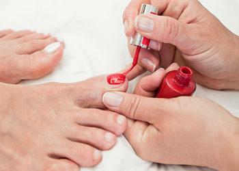 Instytut Urody POR FAVOR - malowanie paznokci