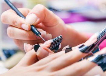 Belleza Salon Kosmetyczny - paznokcie żelowe przedłużane na  formie