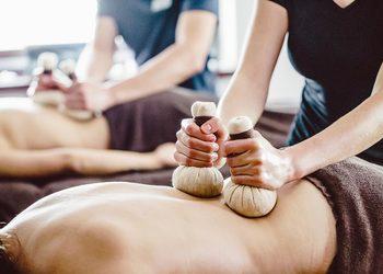 MOONLIGHT SPA - ciepły dotyk - masaż stemplami ziołowymi
