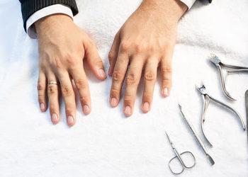 Meski manicure
