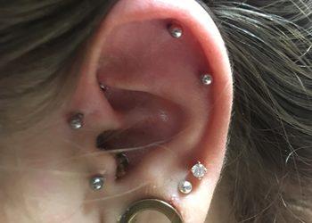 AriaVisage Atelier Urody - przekłucie chrząstki ucha (forward helix)