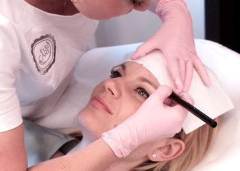 SiSi CARE - odświeżenie makijażu ( do roku do 2 lat po zabiegu ok.30% ceny)