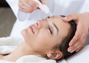 Kosmetikus Gabinet Podologiczno Kosmetyczny  - peeling kawitacyjny + ampułka+ sonoforeza + masaż twarzy