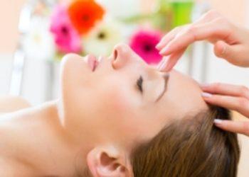 """Salon Kosmetyczny """"EVITA"""" - masaż (twarz, szyja, dekolt)"""