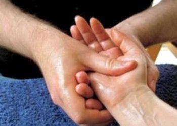 Yasumi Łomianki - masaż dłoni
