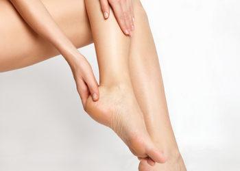 Softly Clinic - leczenie nadpotliwości stóp
