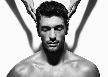Salony fryzjerskie MICHAŁ MROSZCZAK Beauty&SPA - masaż głowy / head massage / masaje de cabeza