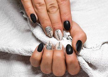 Eva Cosmetics & Lashes - manicure hybrydowy