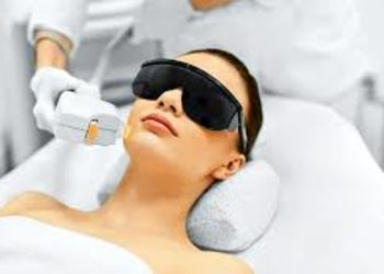 SC Beauty Clinic na Saskiej - depilacja laserowa twarzy