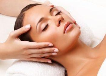 SC Beauty Clinic na Saskiej - masaż twarz + szyja + dekolt