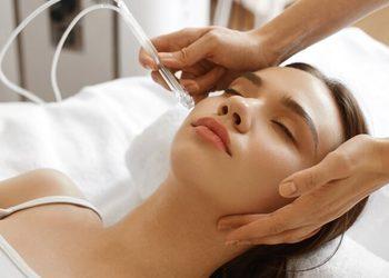 SC Beauty Clinic - oxybrazja twarz, szyja, dekolt z ampułką i maską